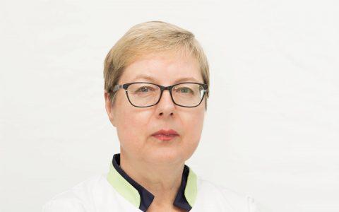 Dr. Anne Teeäär